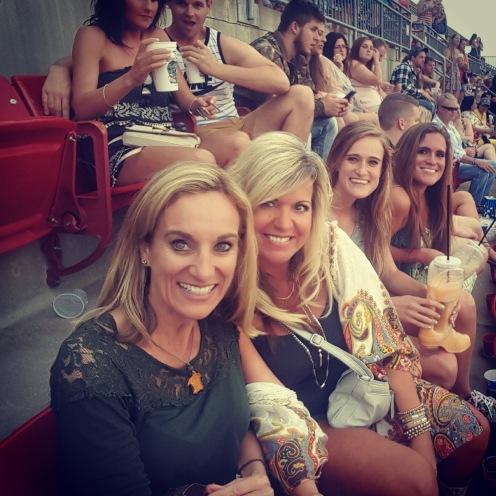Lynda, Leslie, Brittany, Kristen Concert pic